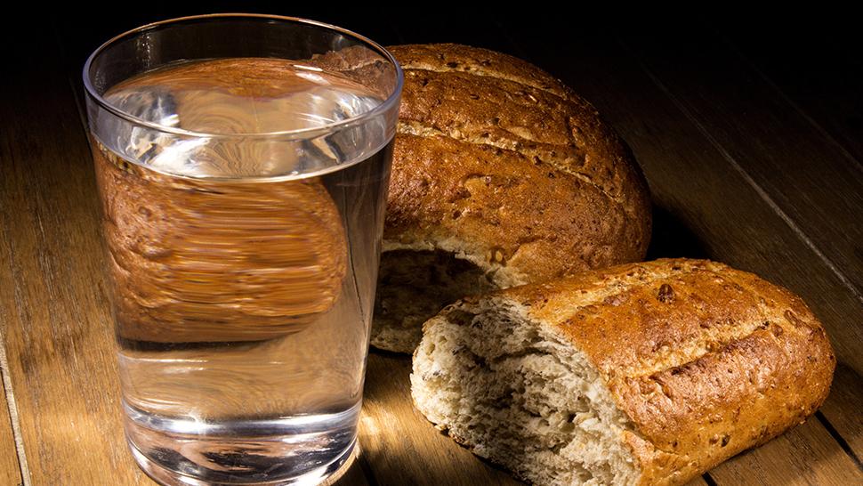 Płyn, który pomaga w odchudzaniu - Tyle wody powinieneś pić, jeśli chcesz schudnąć | WP parenting